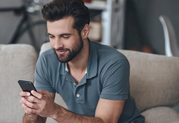 7 Online Dating Hacks for Gay Men