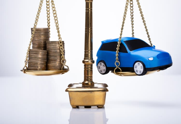 Buying a New Car: Is a Personal Loan Better or a Designated Auto Loan?