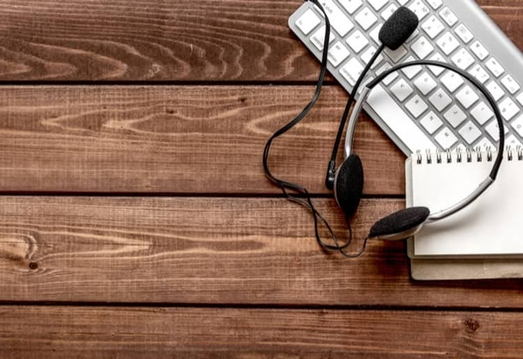 Contact Center vs. Call Center: Which is Right for Your Business?