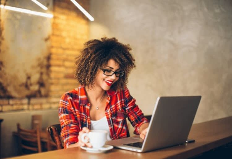 How Female Entrepreneurs Can Make Money with an Online Store (Hint: Forget Etsy)