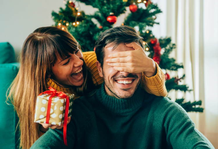 10 Holiday Gift Tips for the Person You Just Starting Dating