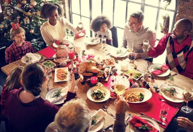 Top 10 Tips for Maintaining a Healthy Diet During the Holidays From A Registered Dietitian