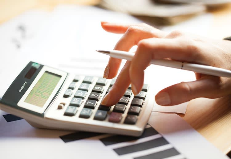 Get smart: learn how to calculate interest rates and get the best out of your loan