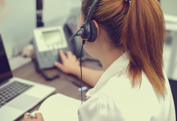 how does a VoIP work
