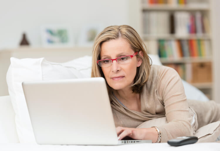 6 Reasons Your First Psychic Reading Should Be Online