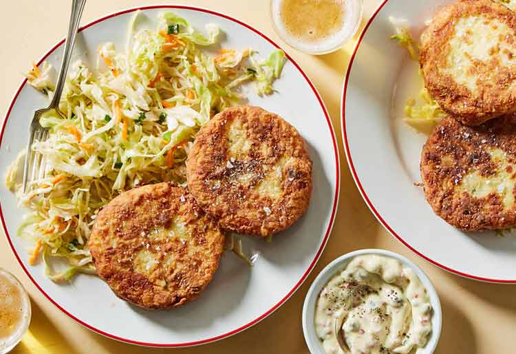 Martha and Marley Spoon Review - Potato-fish cakes with slaw