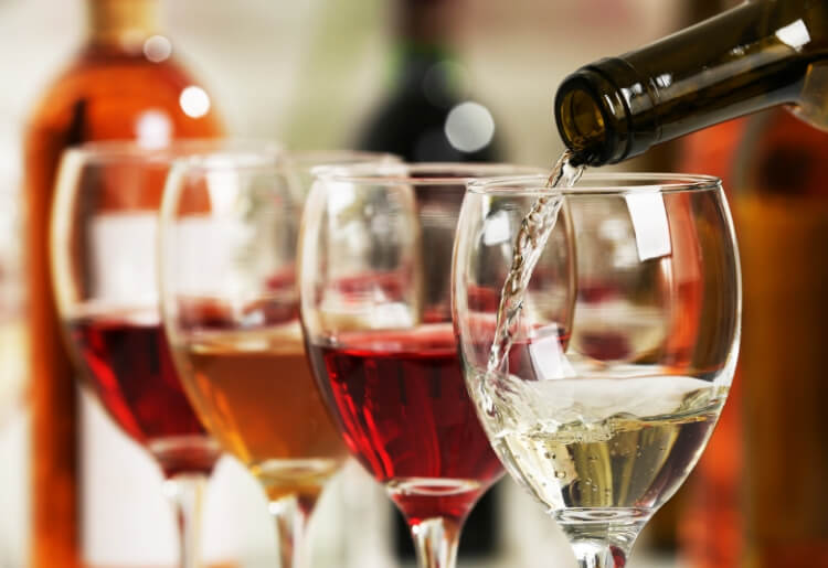Plonk wine club delivers hand-crafted and curated organic wines